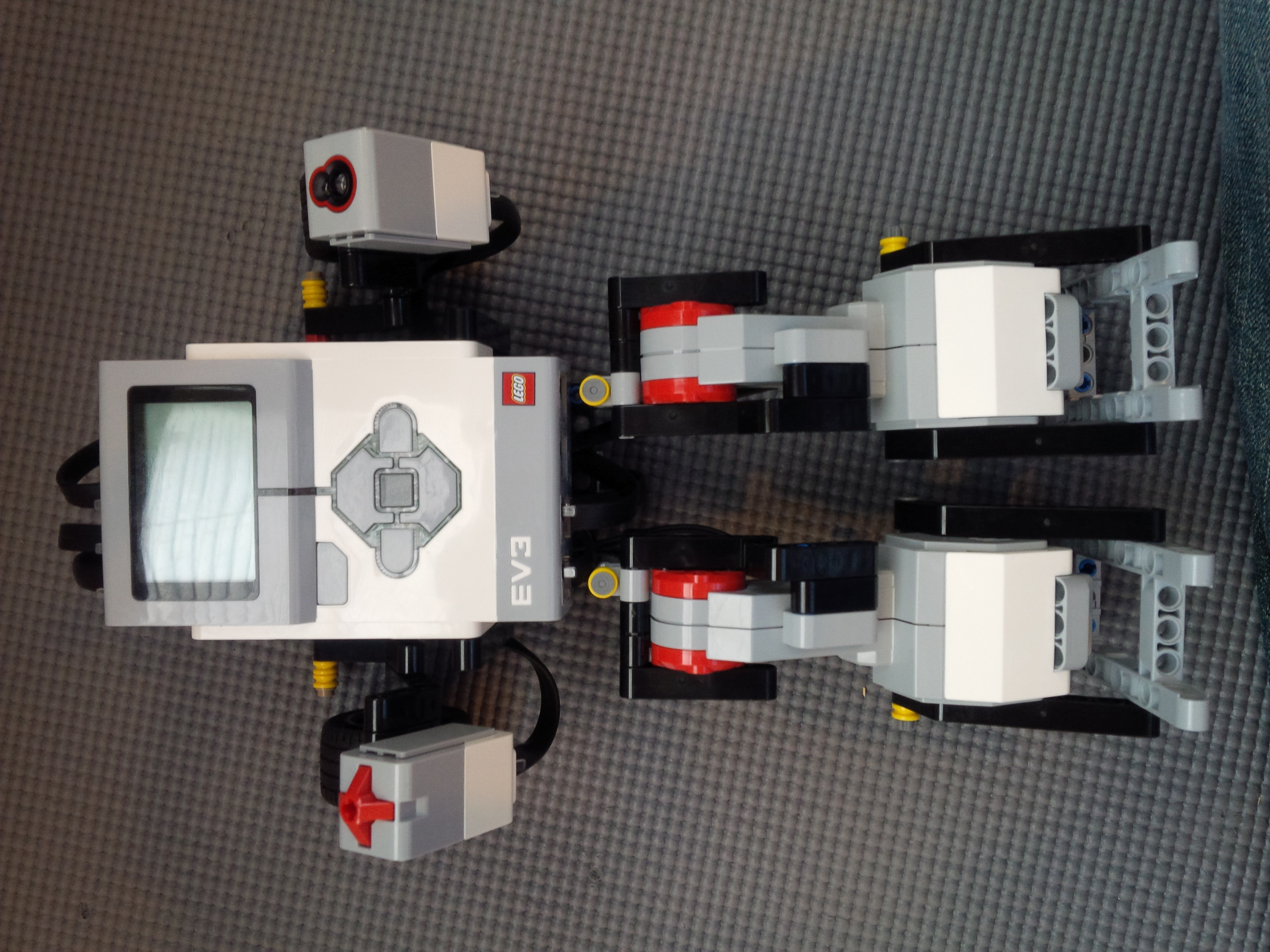 Front view of Lego Mindstorms Dancing Robot