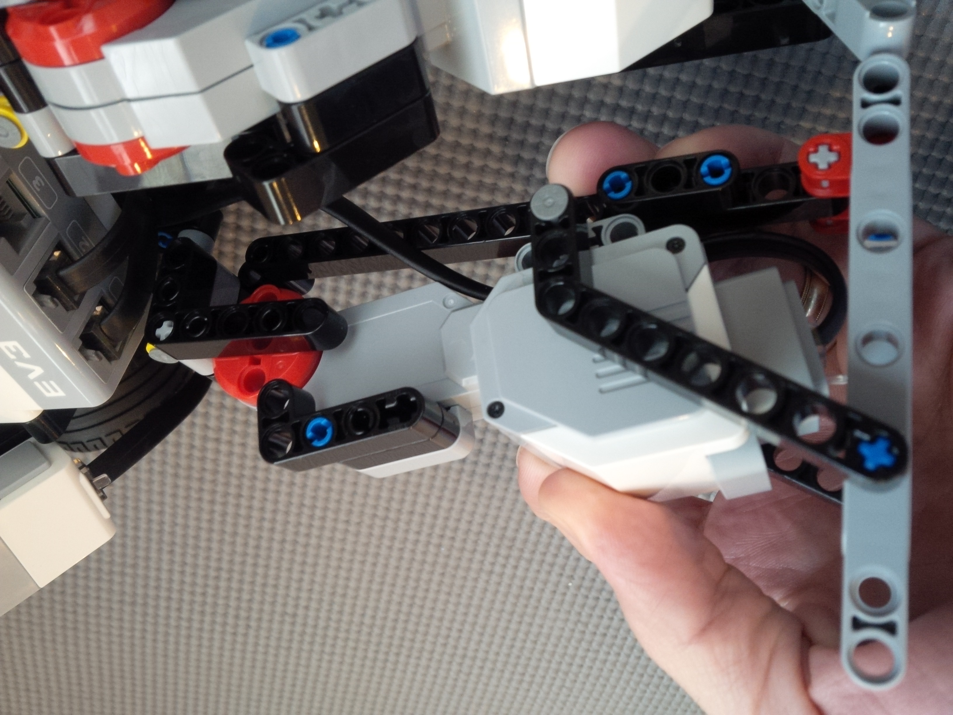 Inner leg view of Lego Mindstorms Dancing Robot