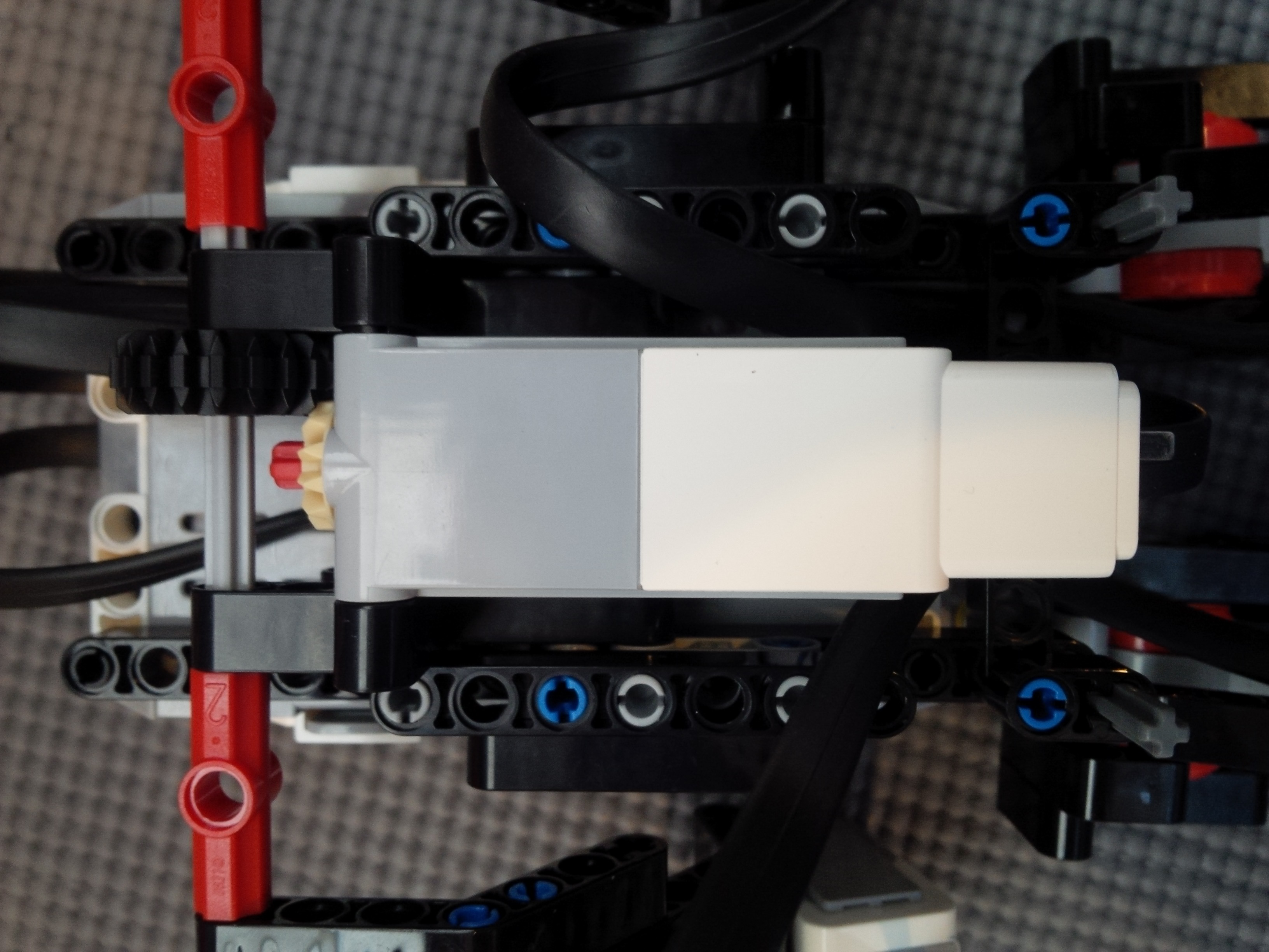 Back view of Lego Mindstorms Dancing Robot