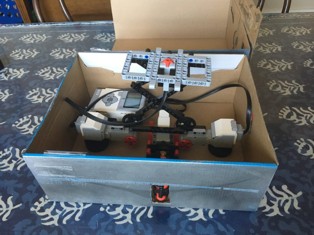 Mindstorms Booby Trap in Box2